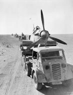 Asisbiz RAF 53RSU salvage crews rescue downed Hurricanes Western Desert IWM CM2230