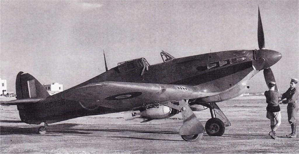 Hawker Hurricane IIb Trop RAF BG766 Malta 1941 42 01
