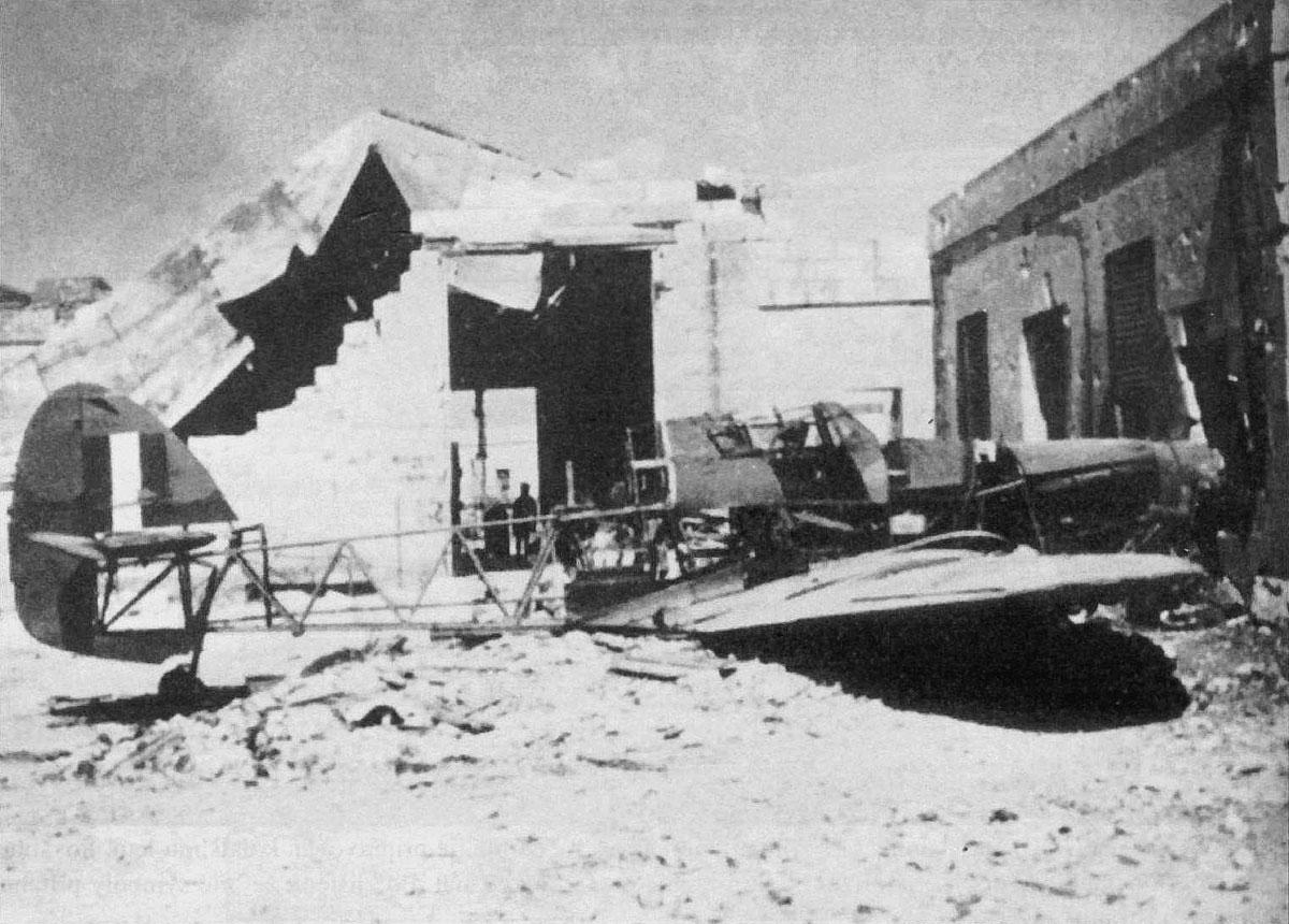 Hawker Hurricane RAF 229Sqn flown by FSqt D Roy BD702 destroyed at Malta 6th May 1942 01