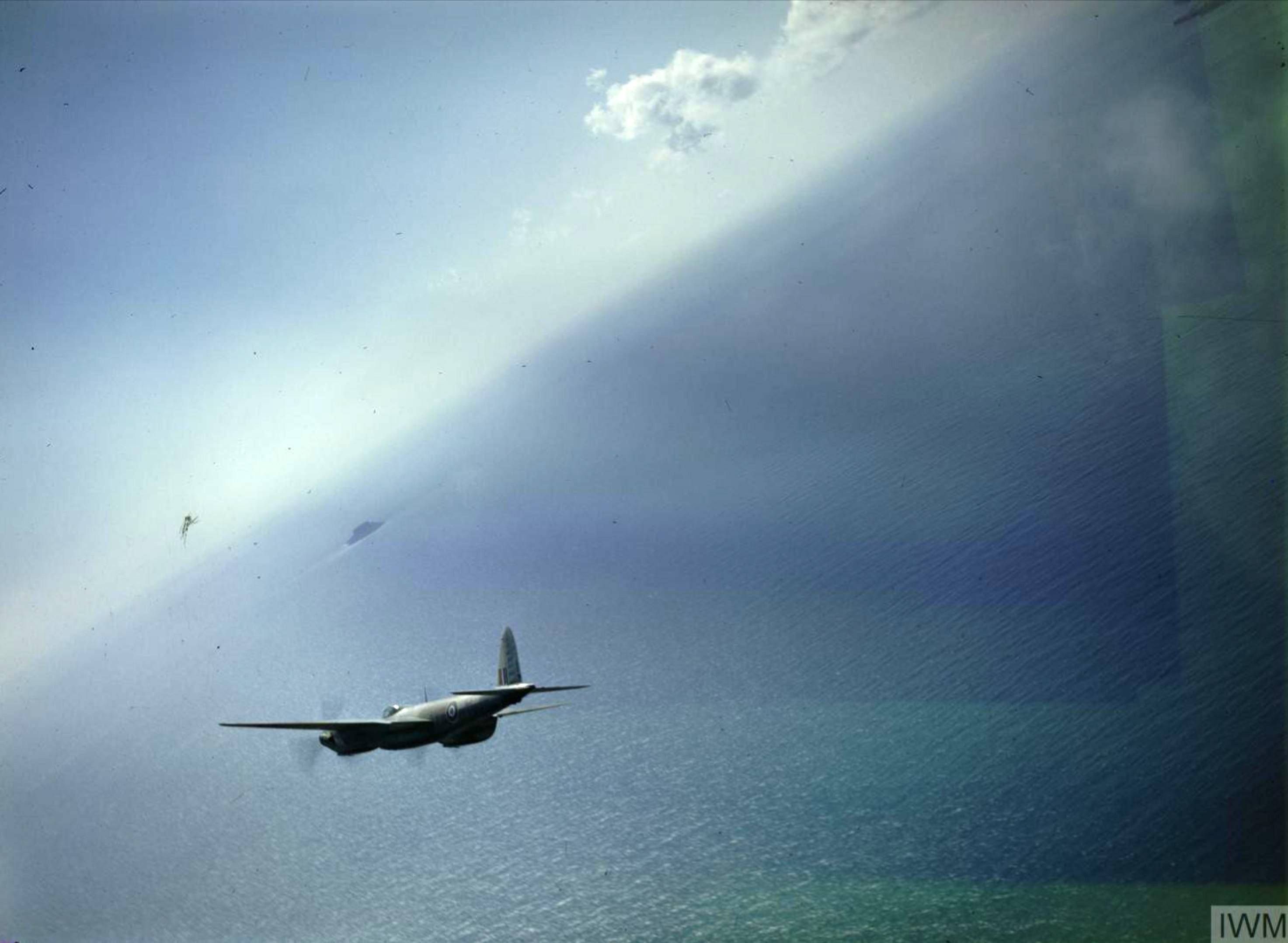 Mosquito II RAF 23Sqn YPR DZ231 over Malta Jun 1943 IWM TR1070