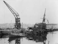 Asisbiz Royal Navy destroyer HMS Lance sunk Grand Harbour Malta after axis raid 7th Apr 1942 IWM A9516