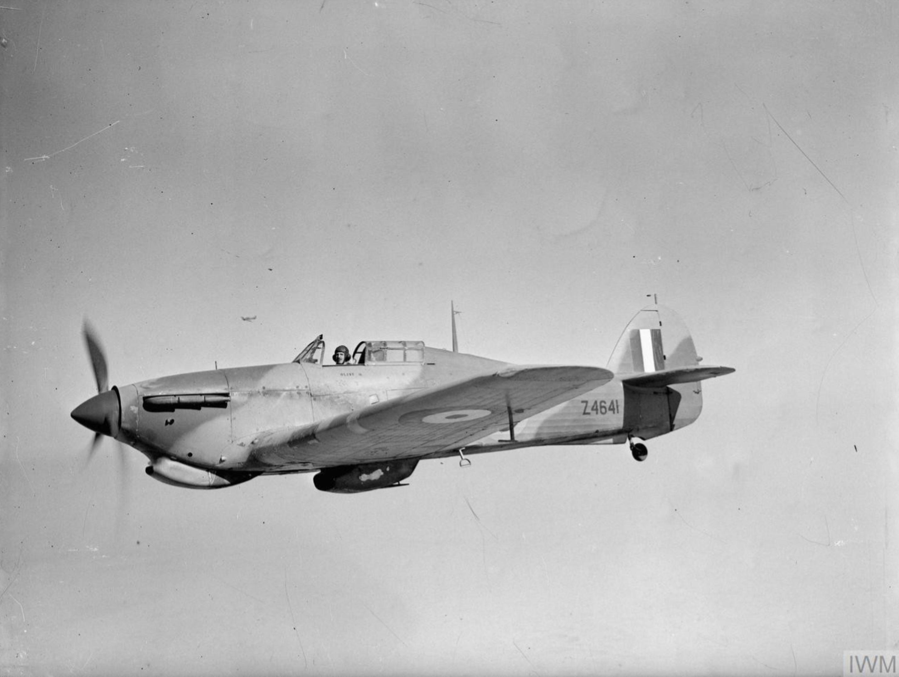 Hurricane II Trop RAAF 451Sqn Z4641 ver Libya IWM CM2183