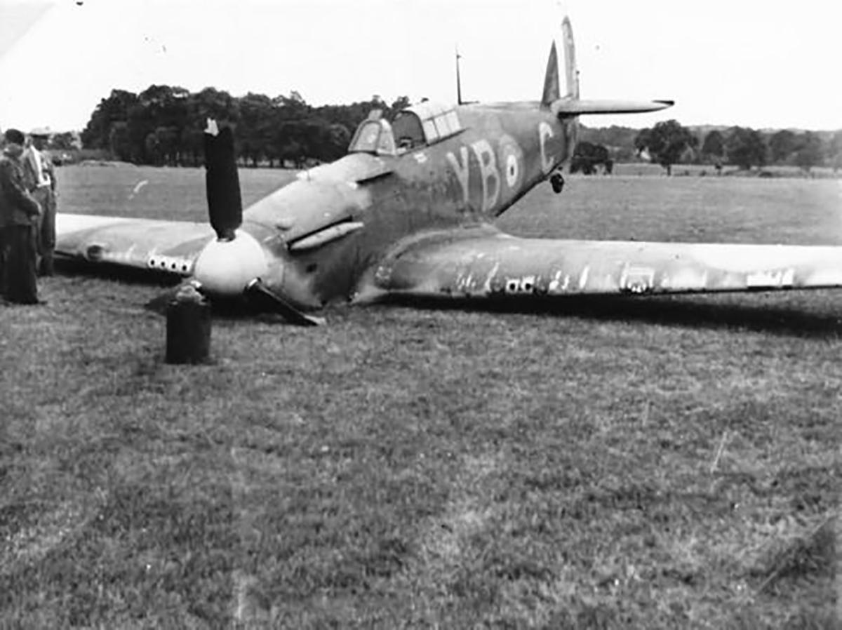Hawker Hurricane I RAF 17Sqn YBC belly landed 02