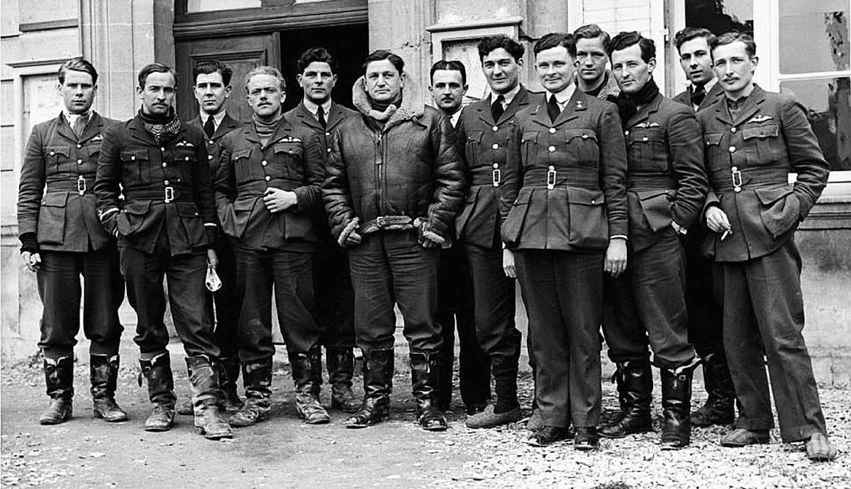 Aircrew RAF 1Sqn pilots at Neuville sur Omain France April 1940 01