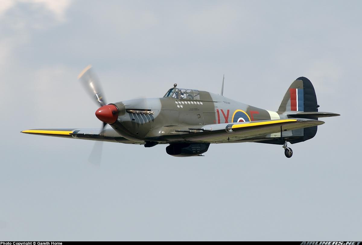 Airworthy Warbird Hawker Hurricane IIc RAF 1Sqn JXE PZ865 01