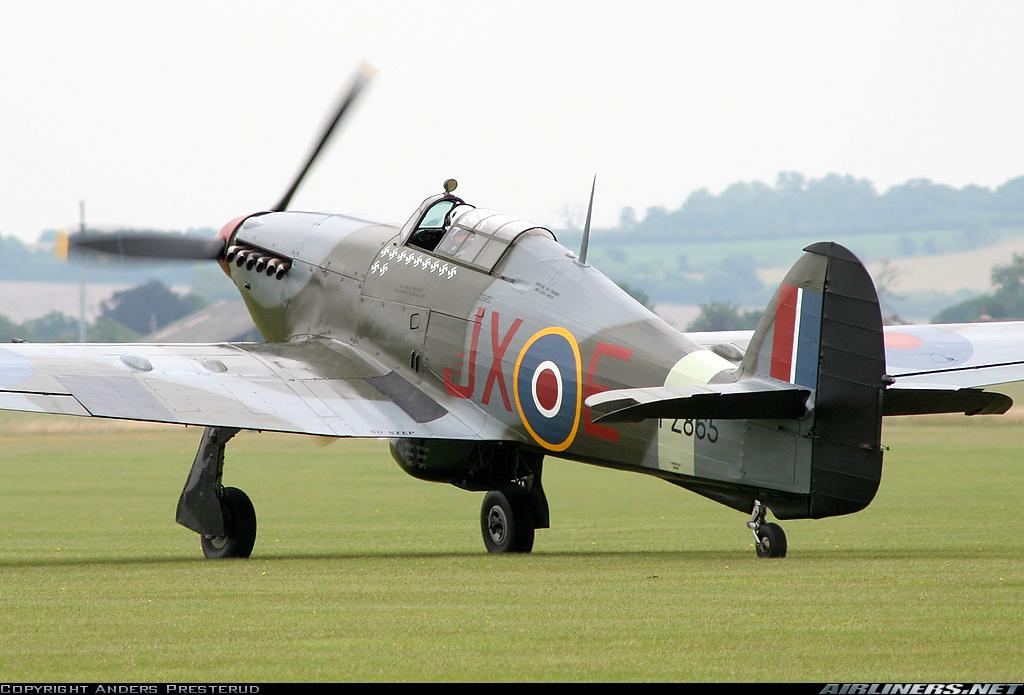 Airworthy Warbird Hawker Hurricane IIc RAF 1Sqn JXE PZ865 08