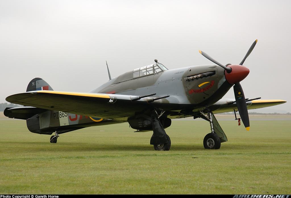 Airworthy Warbird Hawker Hurricane IIc RAF 1Sqn JXE PZ865 09
