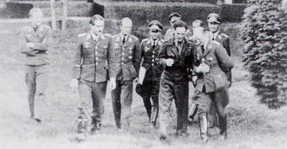 Airmen RAF Douglas Bader with Adolf Galland Aug 9 1941 01