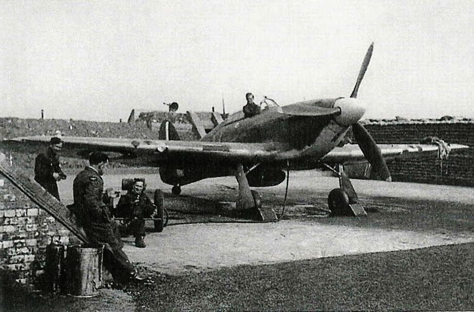 Hurricane IIb RAF 302Sqn WXN Z3095 Westhampnett England Mar 1941 01