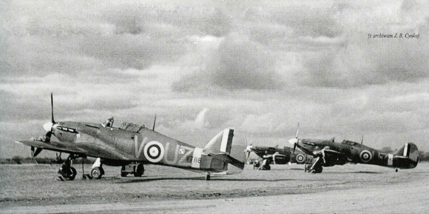Hurricane I RAF 306Sqn UZV V7118 with UZD V7743 and UZF R4101 Ternhill England Mar 1940 01
