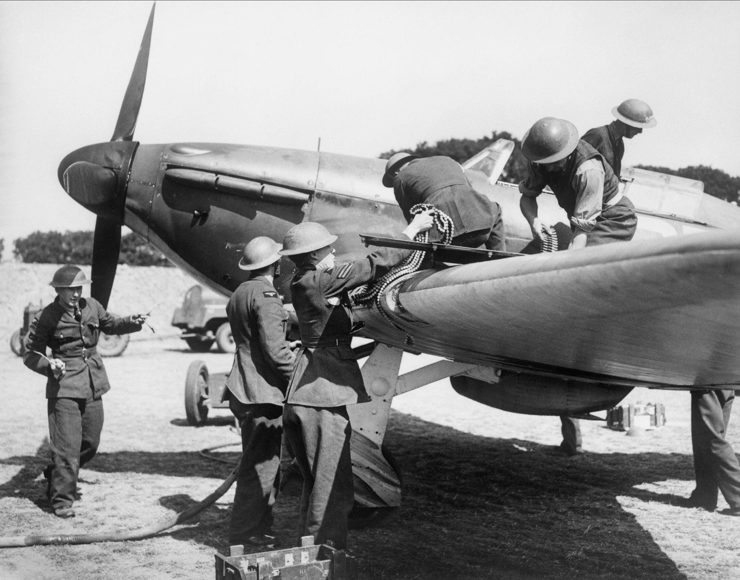 Hurricane I RAF 32Sqn GZ being rearmed at RAF Hawkinge 1940 IWM HU54515