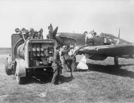 Asisbiz Hurricane I RAF 32Sqn GZL P2921 being refueled Biggin Hill Aug 1940 IWM HU57450