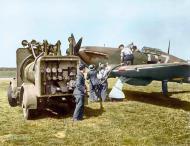 Asisbiz Hurricane I RAF 32Sqn GZL P2921 being refueled Biggin Hill Aug 1940 IWM HU57450a