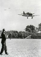 Asisbiz Hurricane I RAF 32Sqn GZZ landing at Biggin Hill England Aug 1940 01