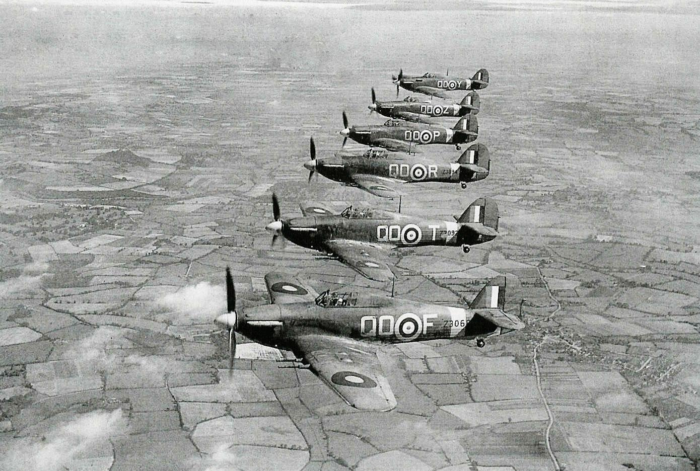 Hawker Hurricane IIc RAF 3Sqn QOF QOT QOR QOP QOZ QOY based at Stapleford Tawney 1941 IWM CH3497