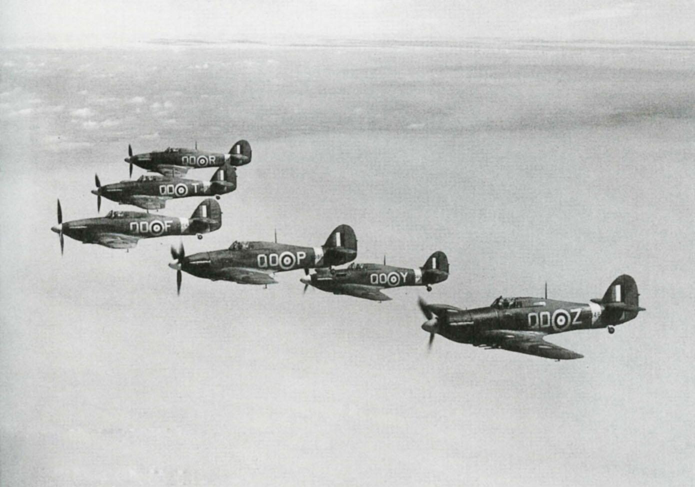 Hawker Hurricane IIc RAF 3Sqn QOZ QOP QOY QOF QOT QOR based at Stapleford Tawney 1941 IWM CH3497A