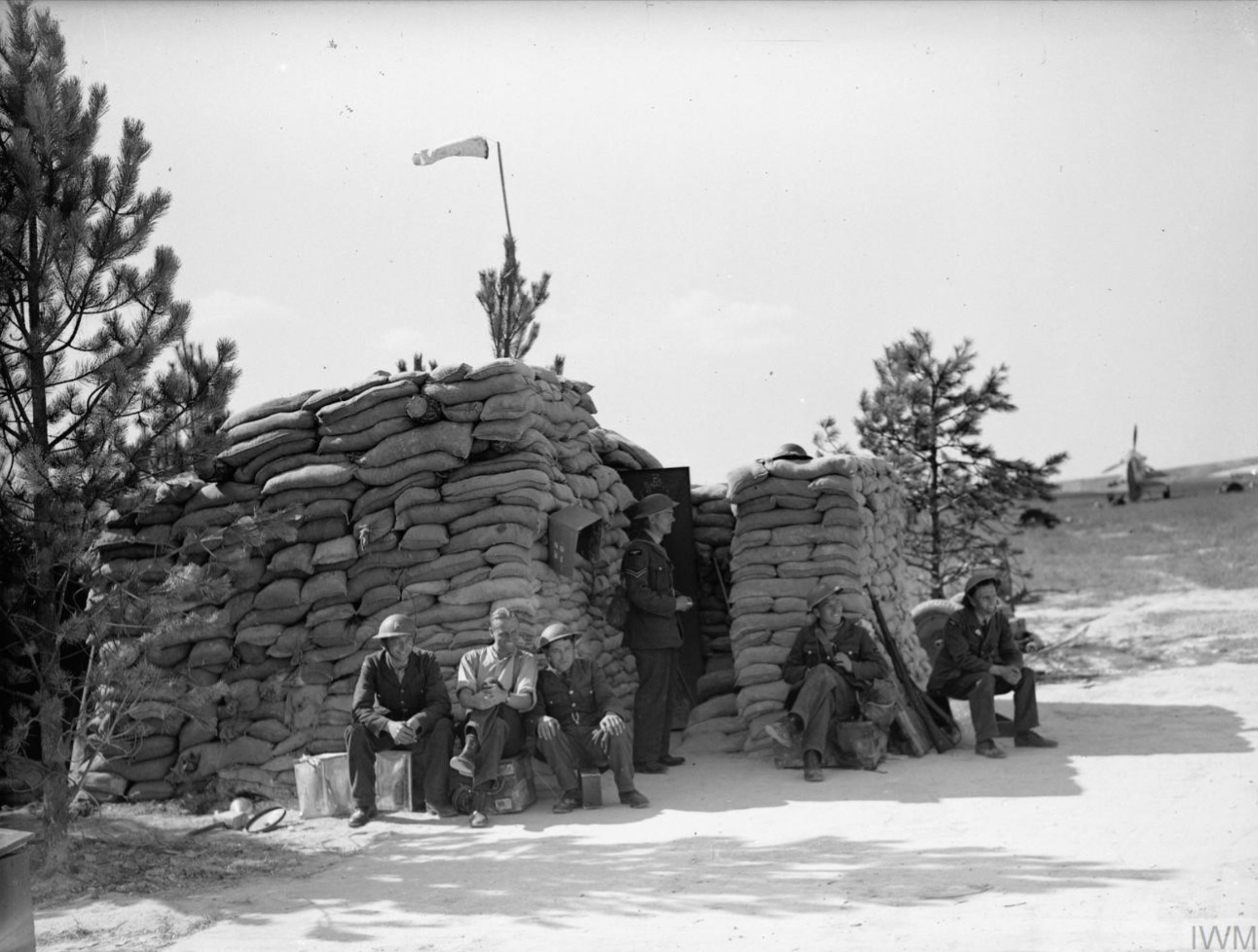 Aircrew RAF 501Sqn at Betheniville during Battle of France 1940 IWM C1555
