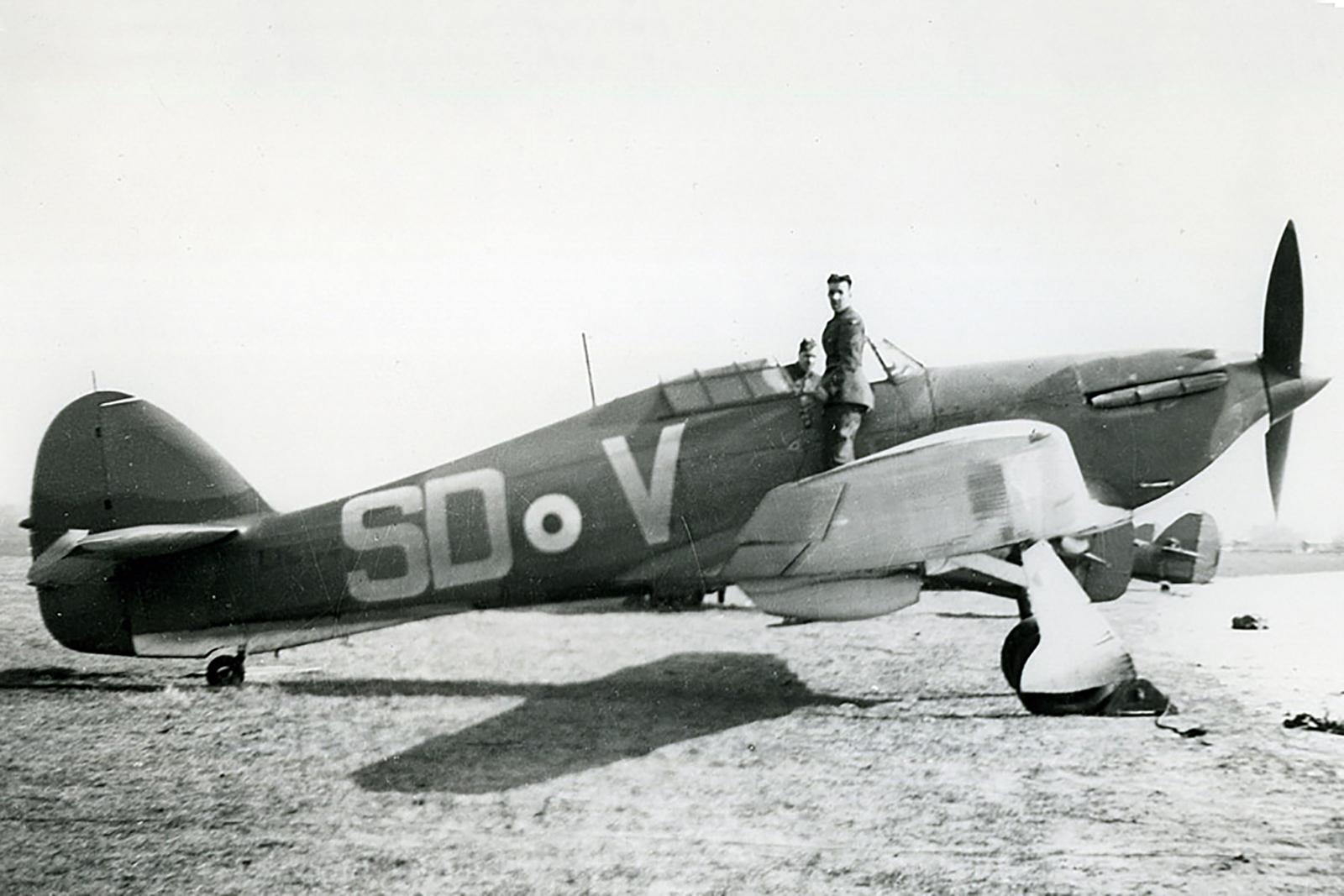 Hawker Hurricane I RAF 501Sqn SDV L1659 at RAF Tangmere in early 1940 01