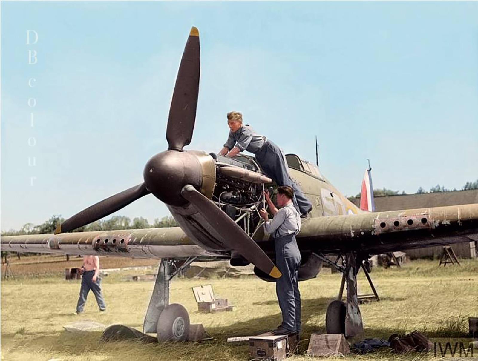 Hawker Hurricanes I RAF 501Sqn SD at Reims Champagne 1940 IWM CH1431a