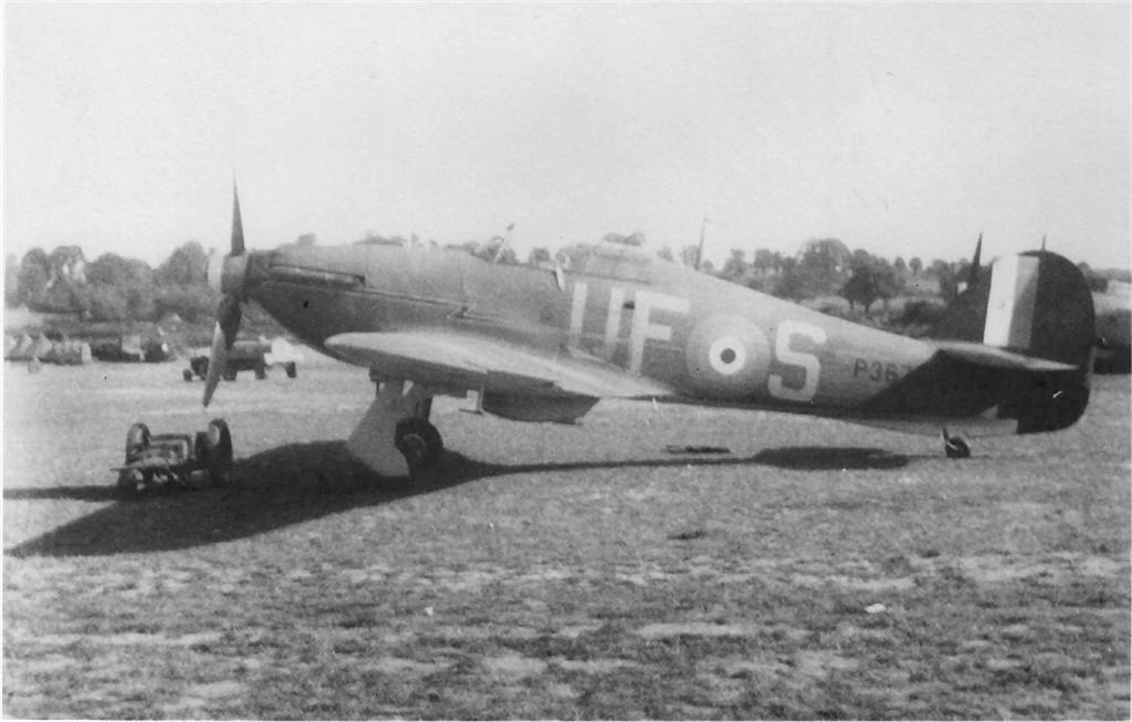 Hawker Hurricane I RAF 601Sqn UFS P3675 stands ready England 1940 01