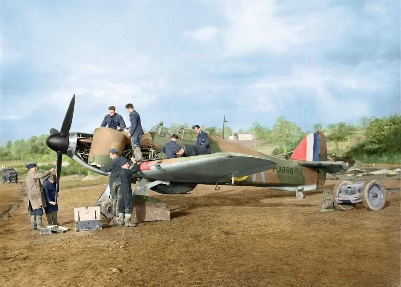 Hurricane I RAF 601Sqn UFK P3886 previously flown by HJ Riddle being repaired 1940 02