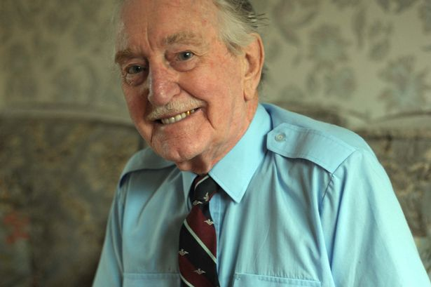 Aircrew RAF Eric Carter now 90 years old 01