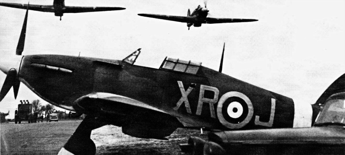 Hawker Hurricane I RAF 71Sqn XRJ V7608 England 1941 01