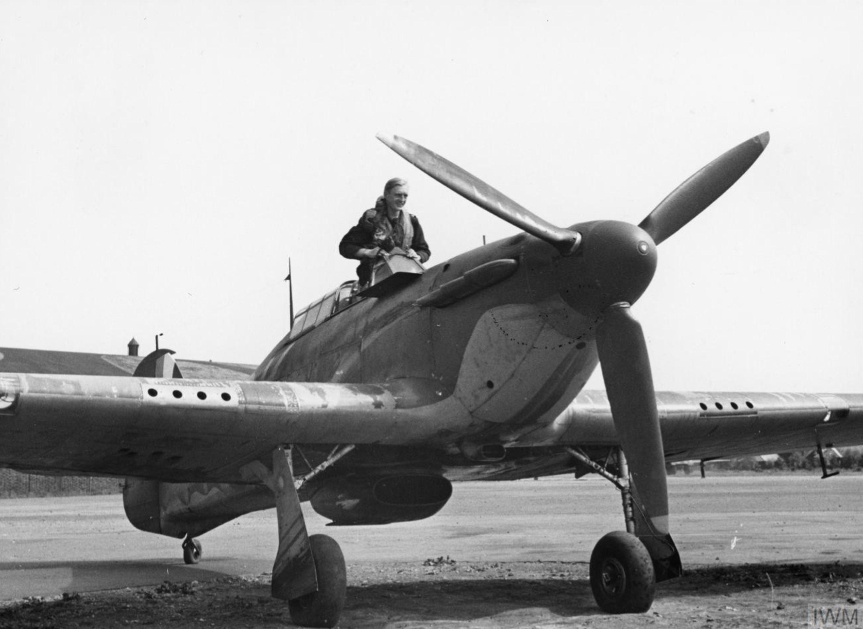 Hawker Hurricane I RAF 85Sqn VYK Geoffrey S Allard P3408 England July 1940 IWM HU104492