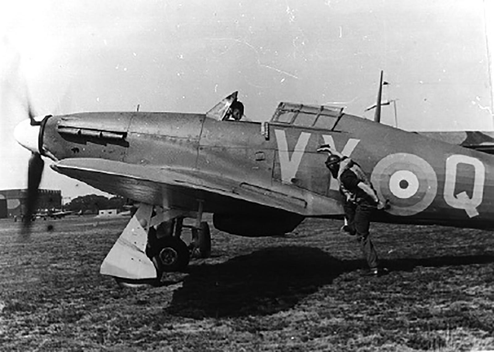 Hawker Hurricane I RAF 85Sqn VYQ 1940 01