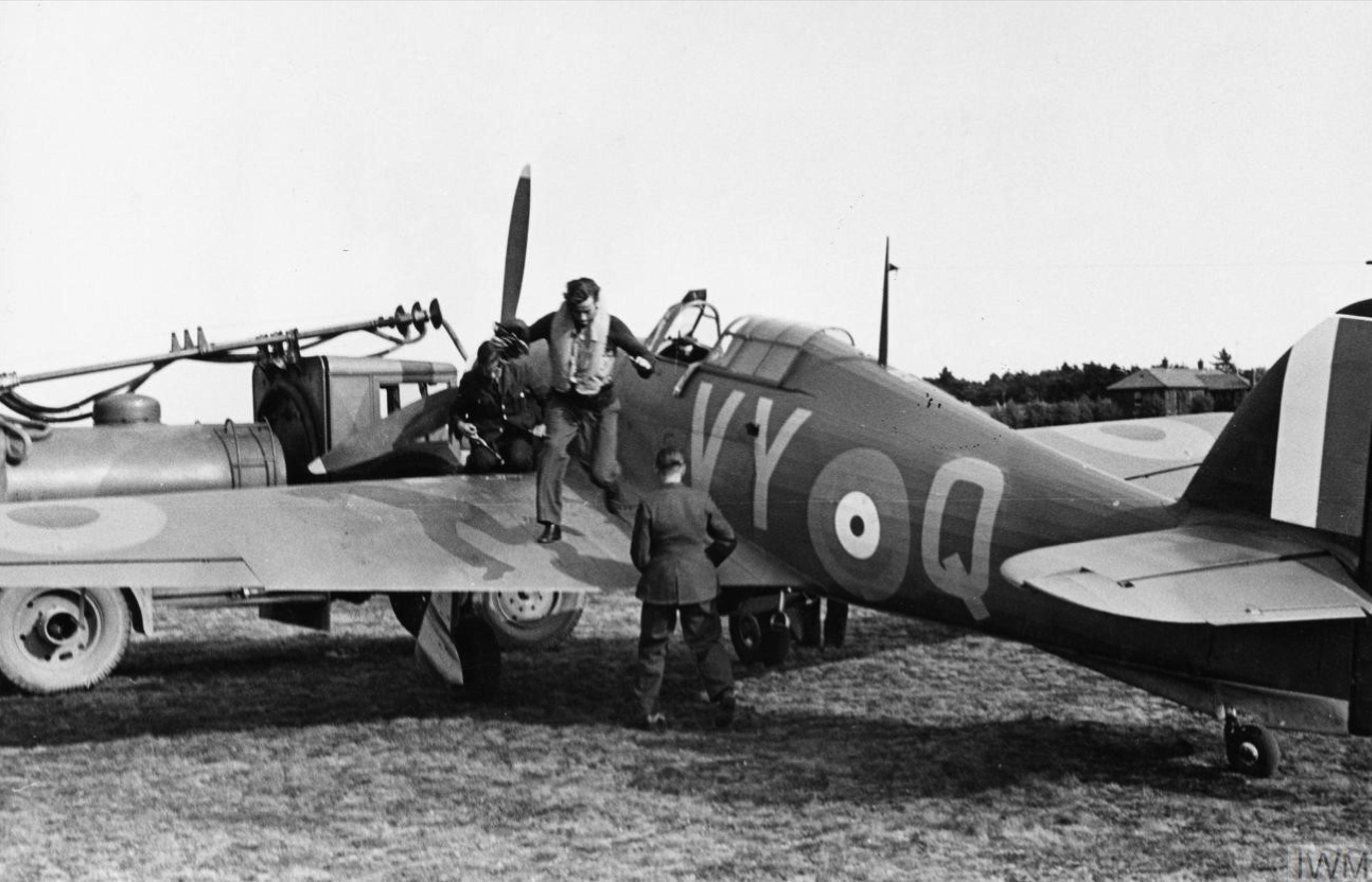 Hawker Hurricane I RAF 85Sqn VYQ Peter Townsend P3166 England Jul 1940 IWM HU104489