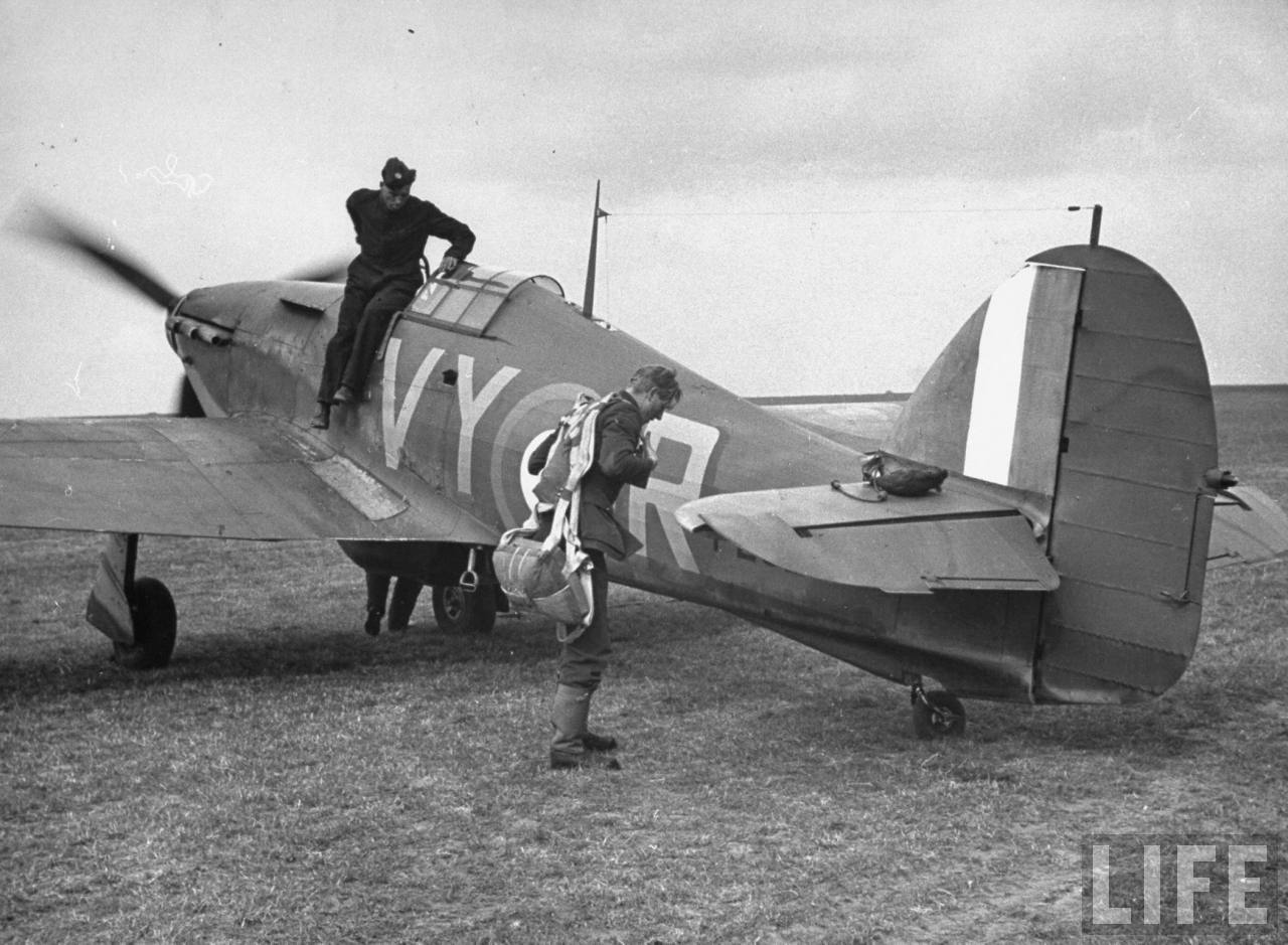 Hawker Hurricane I RAF 85Sqn VYR Albert G Lewis Battle of Britain Oct 1940 01