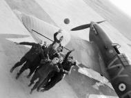 Asisbiz Aircrew RAF 85Sqn Ground staff at Lille Seclin Nov 1939 IWM C460
