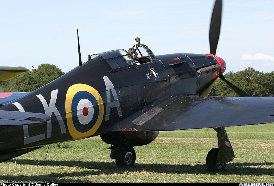 Airworthy Warbird Hurricane MkI RAF 87Sqn LKA Ian Gleed P2798 England 1941 08