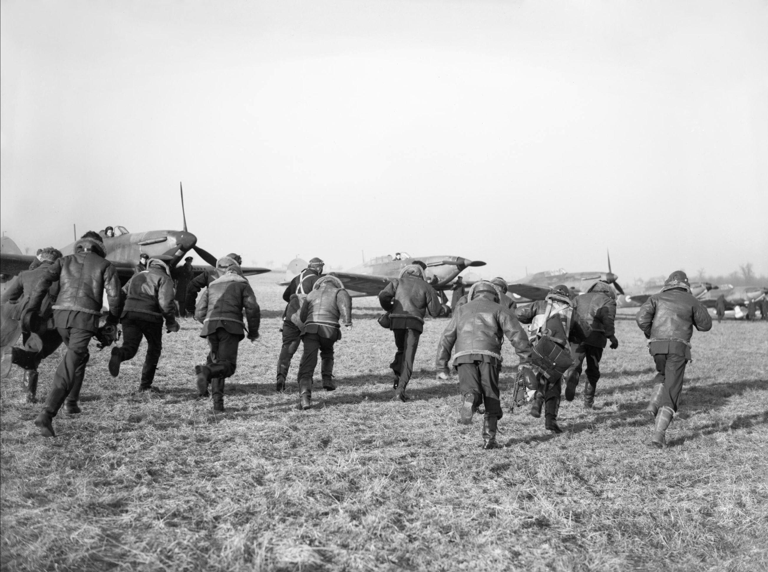 Hurricane I RAF 87Sqn at Lille Seclin Nov 1939 IWM C468