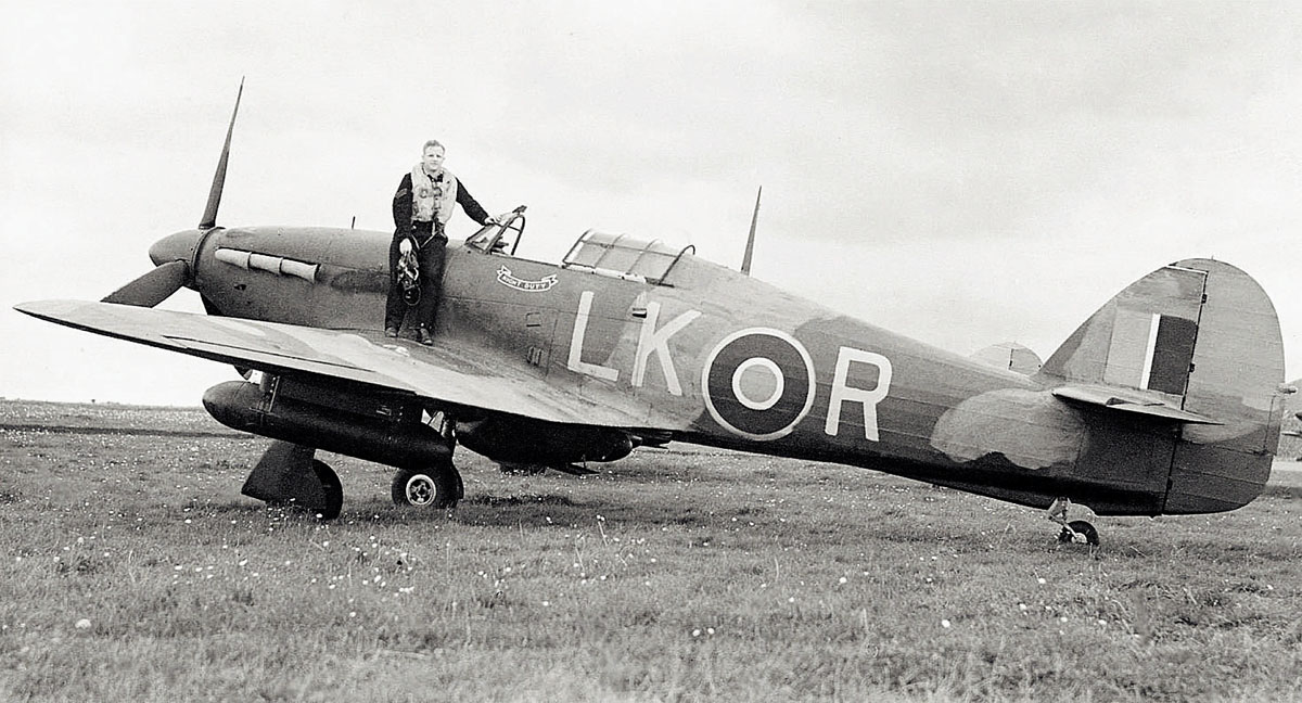 Hurricane IIc RAF 87Sqn LKR Night Duty Z3353 England 1941 01