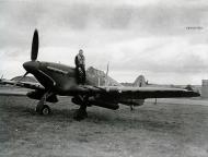 Asisbiz Hurricane IIc RAF 87Sqn LKR Night Duty Z3353 England 1941 03
