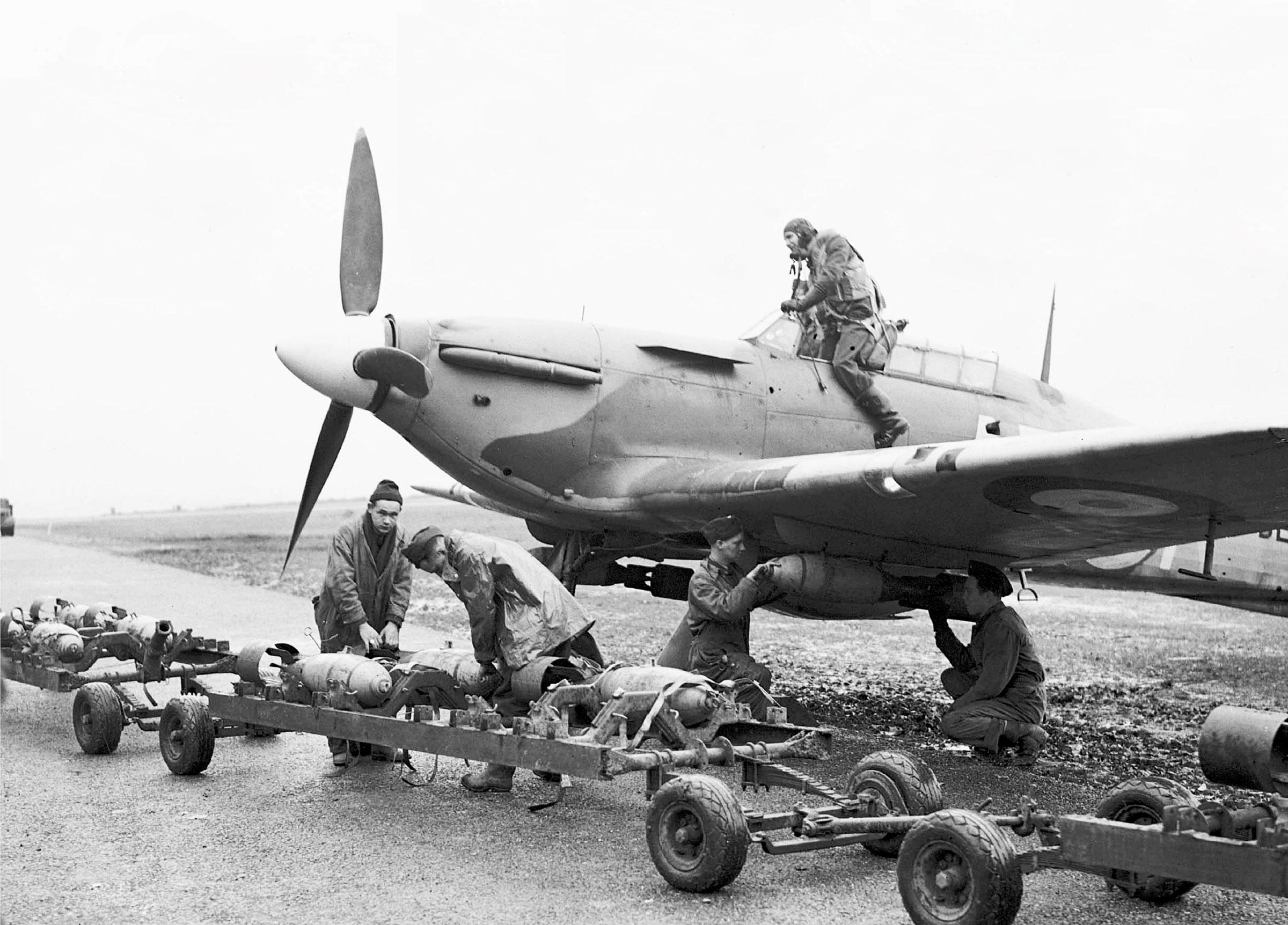Hurricane IIb RCAF 402Sqn AE BE417 being loaded with 250lb bombs 1941 01