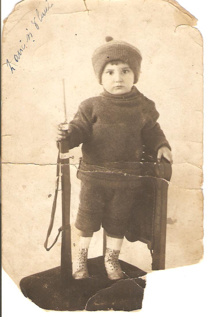 Aircrew Romanian pilot Petre Cordescu childhood photo 01
