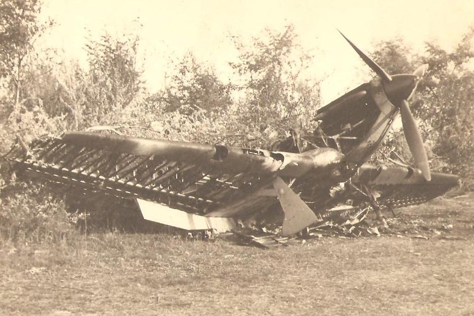 Hawker Hurricane RRAF Esc 53 destroyed by Luftwaffe Rumania 1941 Petre Cordescu collection 01