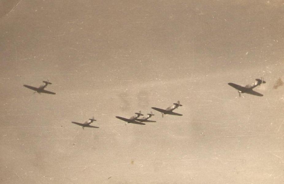 Hawker Hurricanes RRAF Esc 53 Rumania 1941 Petre Cordescu collection 03