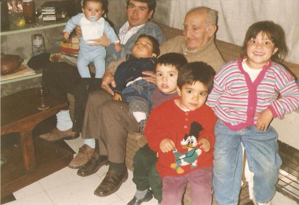 Petre Cordescu in Chile with his grandchildren 021