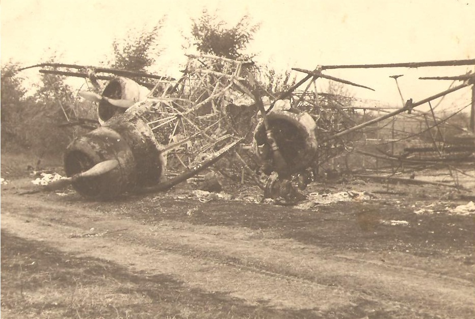RRAF burnt out aircraft destroyed by Luftwaffe Rumania 1941 Petre Cordescu collection 01