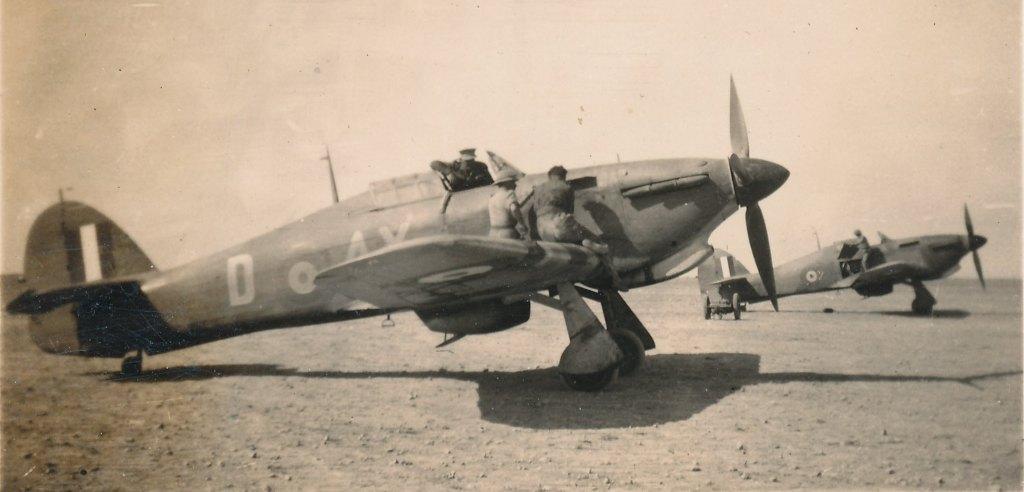 Hawker Hurricane IIb SAAF 1Sqn AXD 1942 01