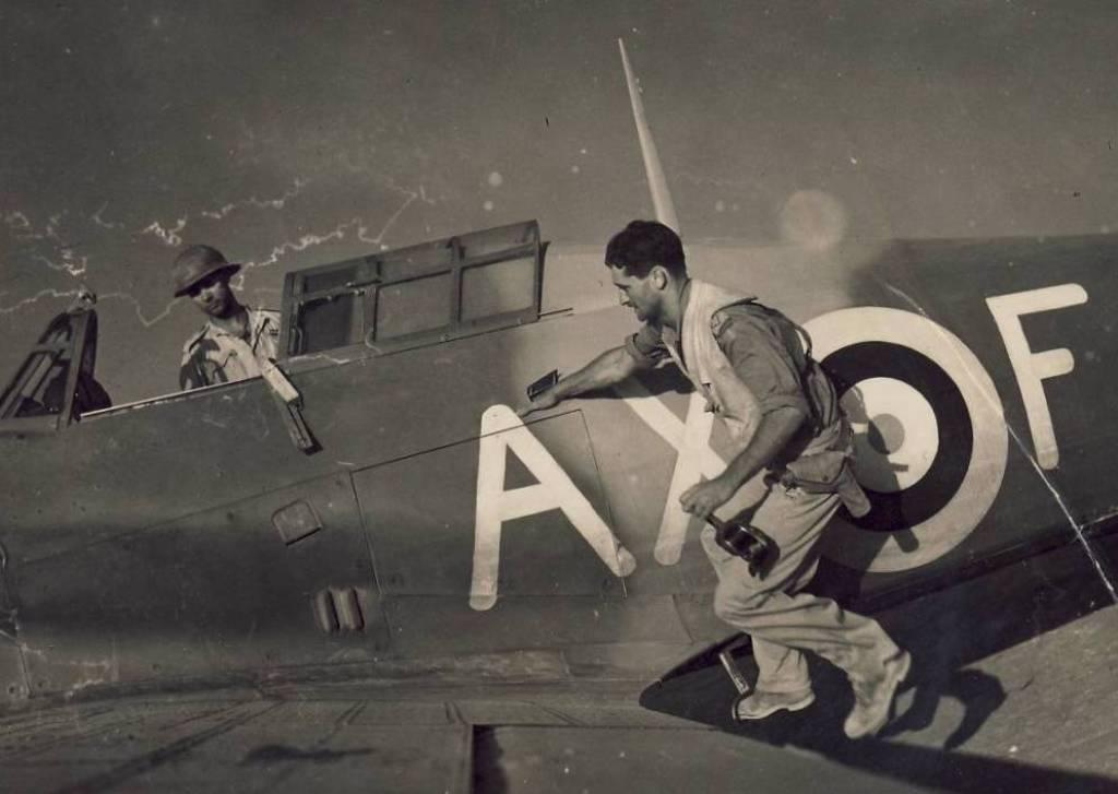 Hawker Hurricane IIb SAAF 1Sqn AXF North Africa 1942 02