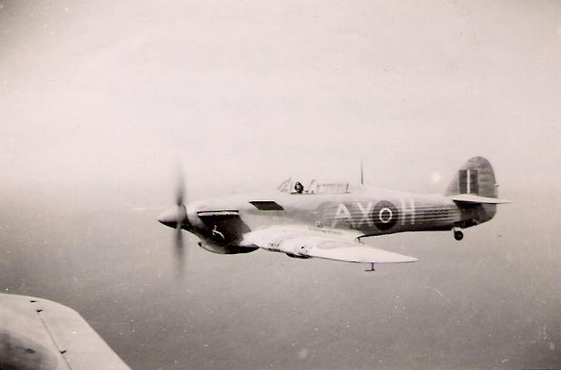 Hawker Hurricane IIb SAAF 1Sqn AXH 1942 02