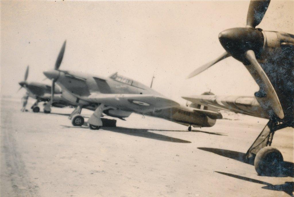 Hawker Hurricane IIb SAAF 1Sqn AXK BD888 1942 05