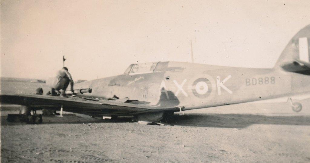 Hawker Hurricane IIb SAAF 1Sqn AXK BD888 1942 06