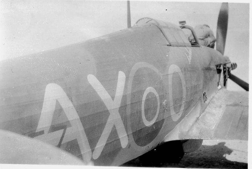 Hawker Hurricane IIb SAAF 1Sqn AXO North Africa 1942 02
