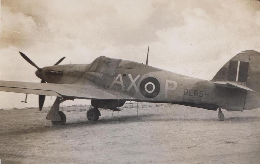 Hawker Hurricane IIb SAAF 1Sqn AXP BE698 LG92 North Africa 1942 01