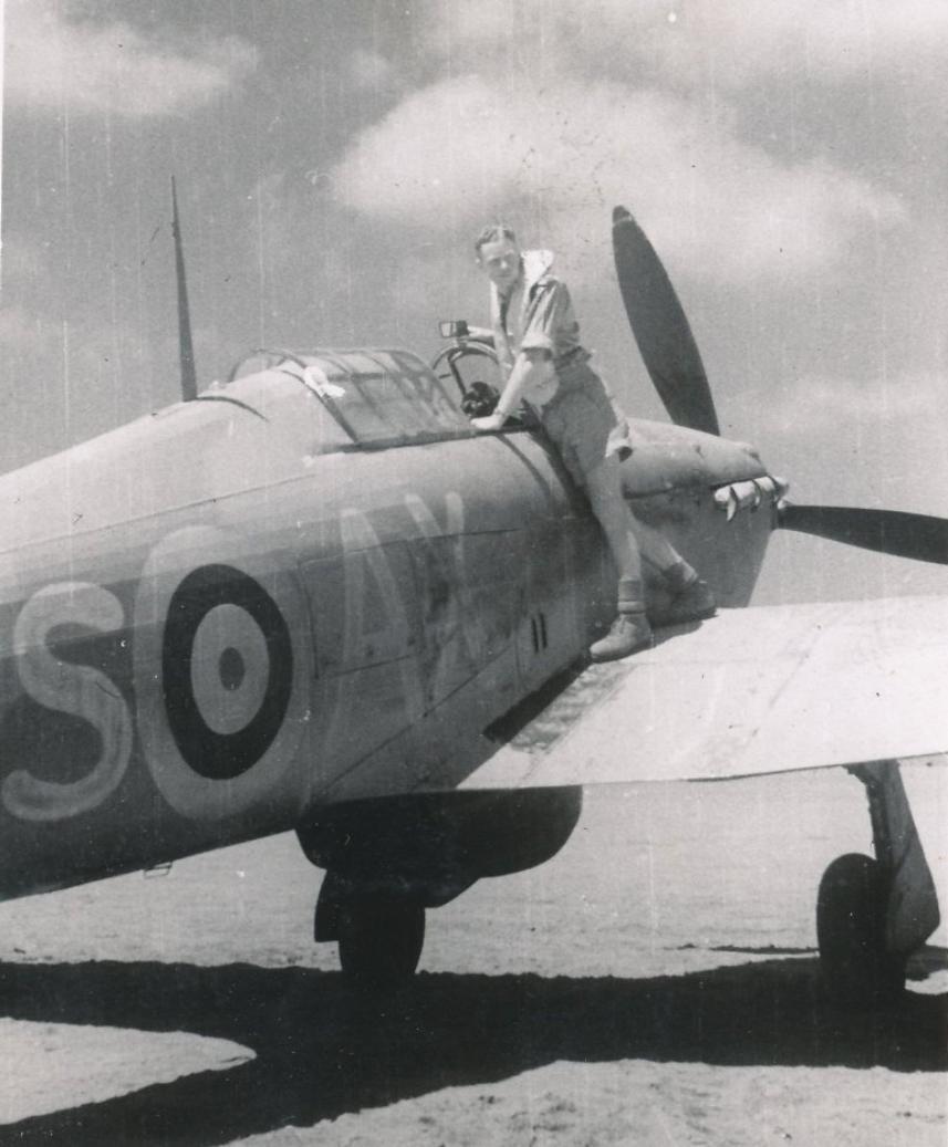 Hawker Hurricane IIb SAAF 1Sqn AXS North Africa 1942 01